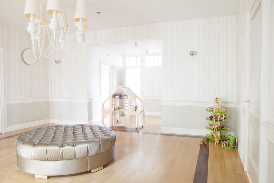 kolor biały w mieszkaniu