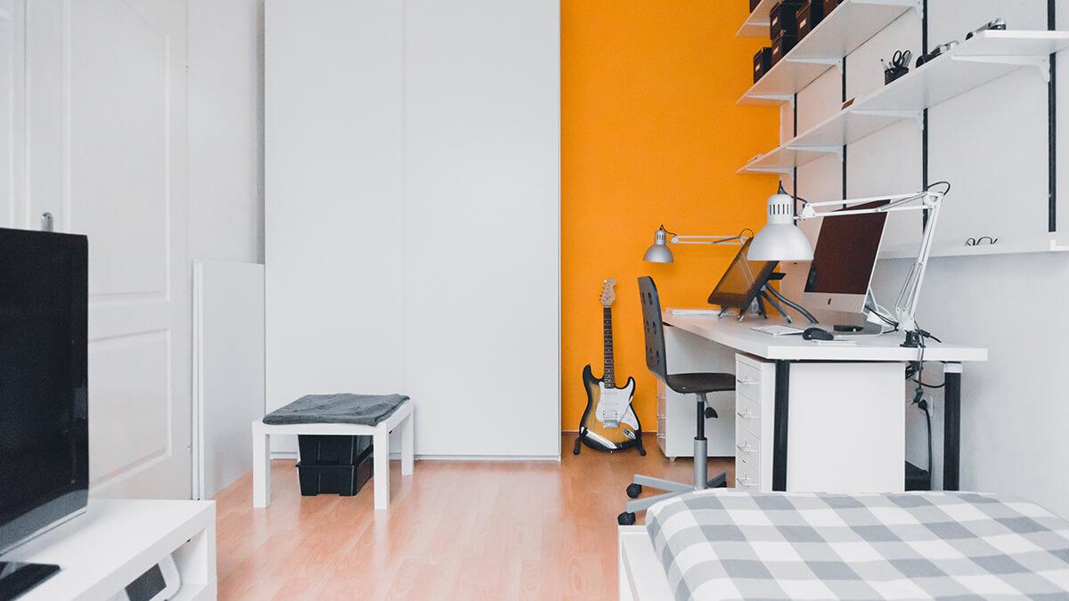 kolor pomarańczowy w mieszkaniu