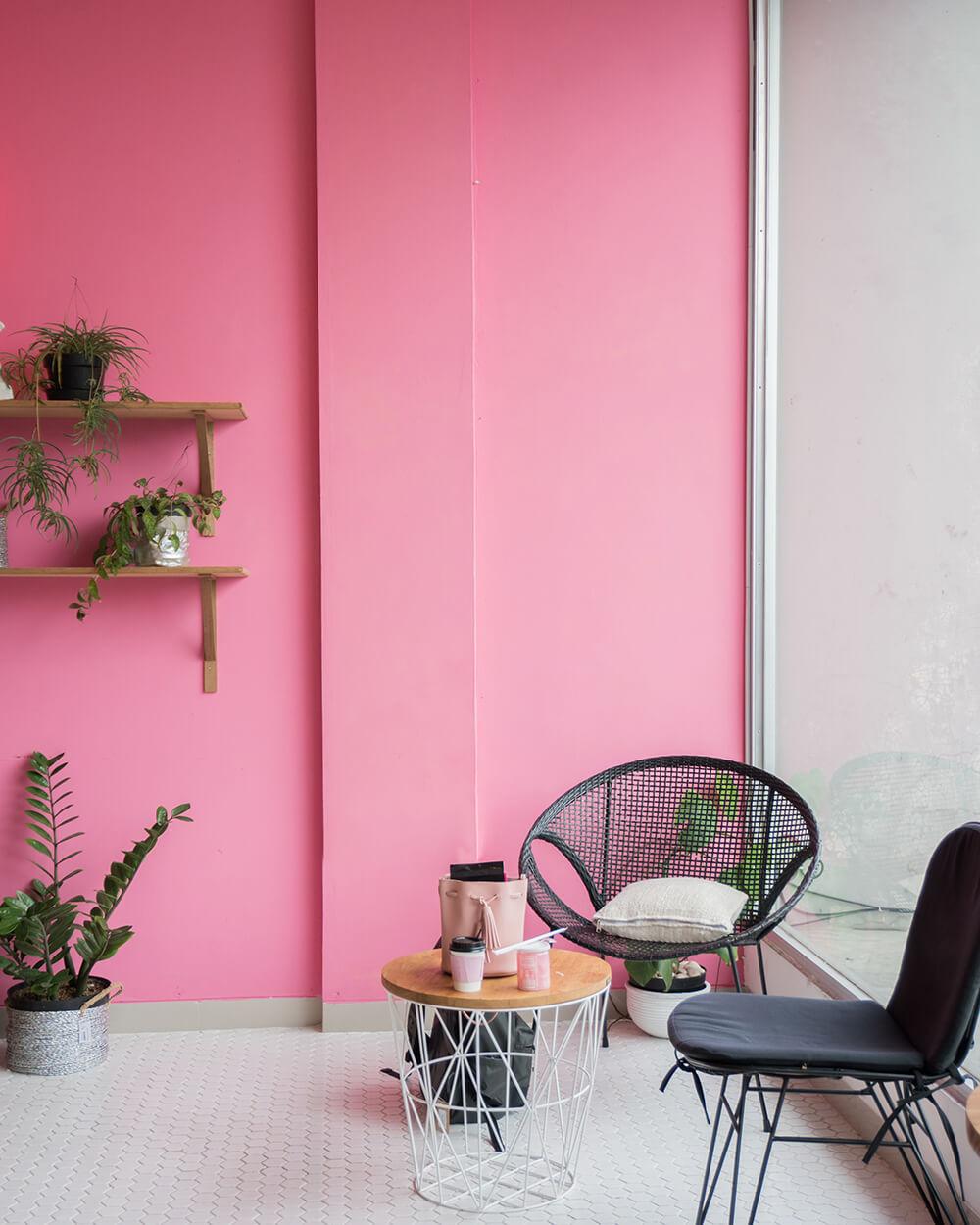kolor różowy w mieszkaniu