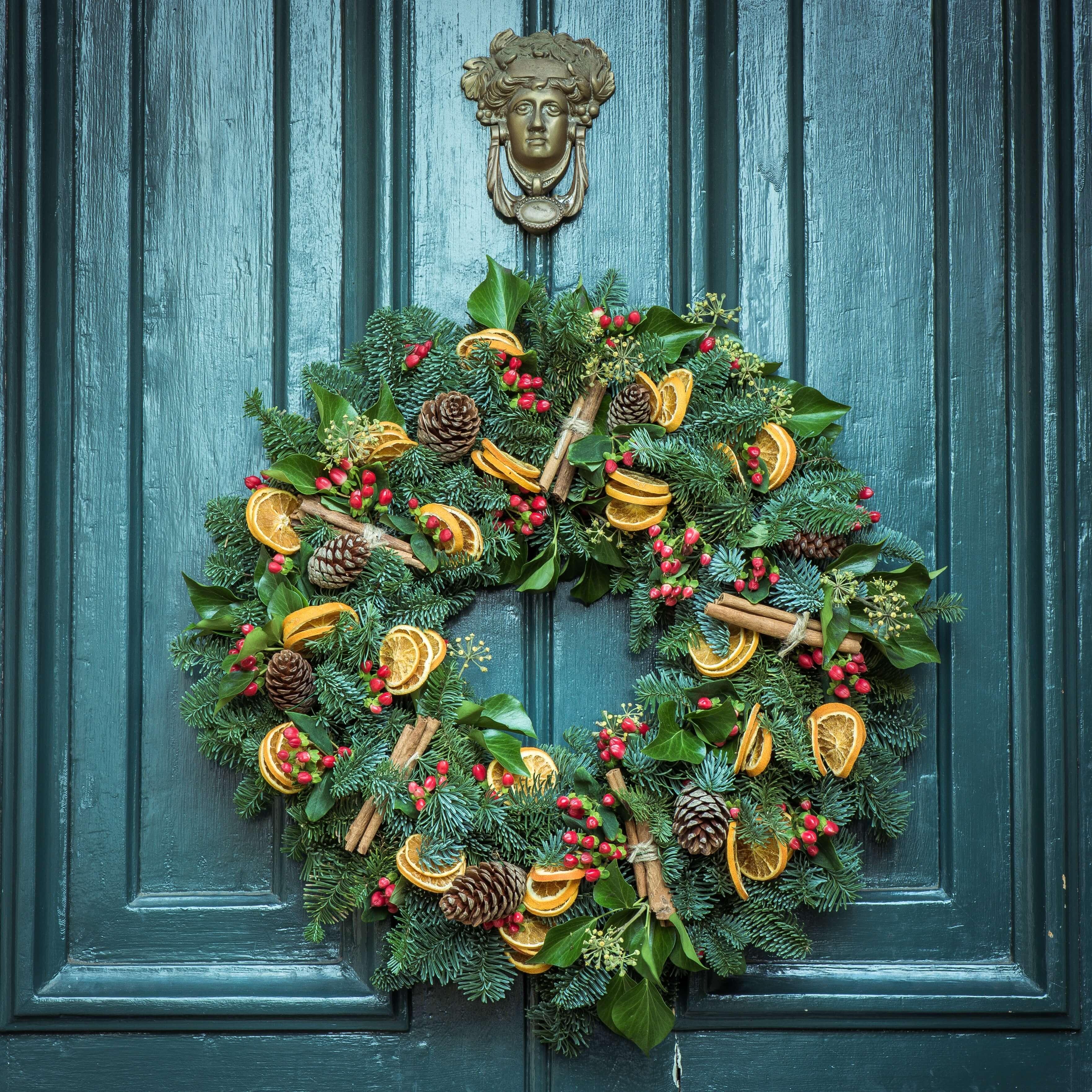 świąteczna ozdoba na drzwi