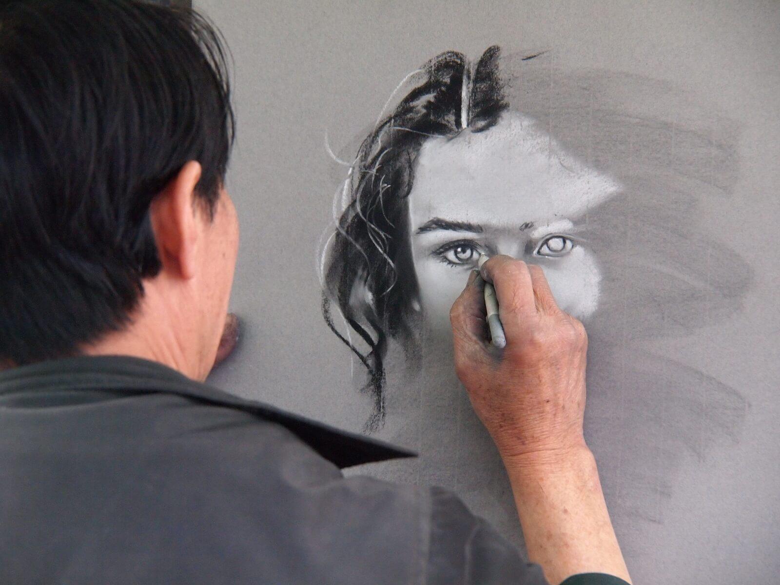 Portret kobiety ołówkiem
