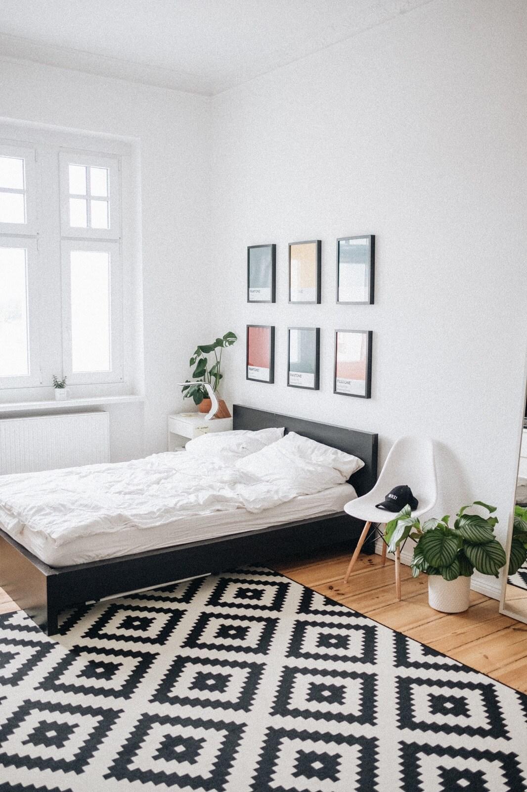 Dywan we wzory w sypialni