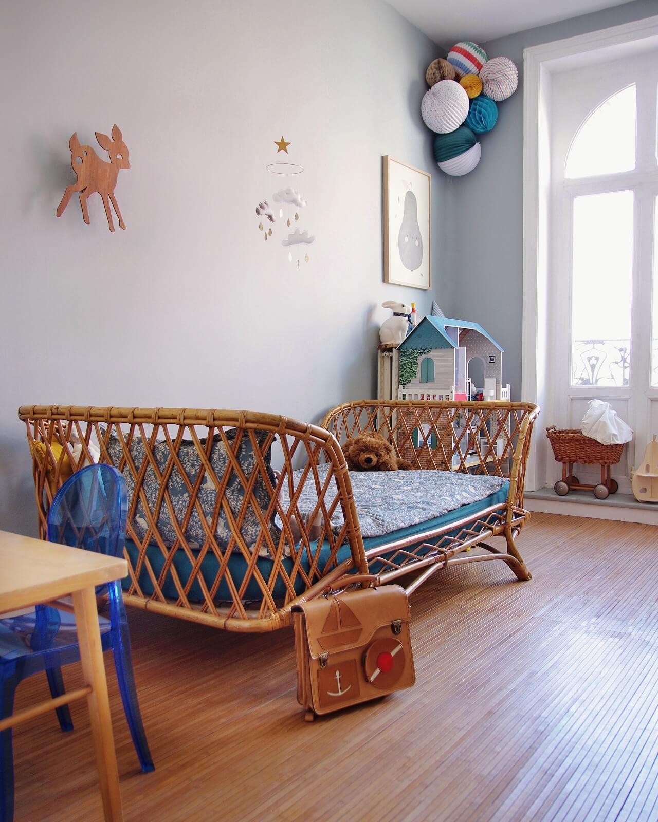 Drewniana podłoga w pokoju dziecka