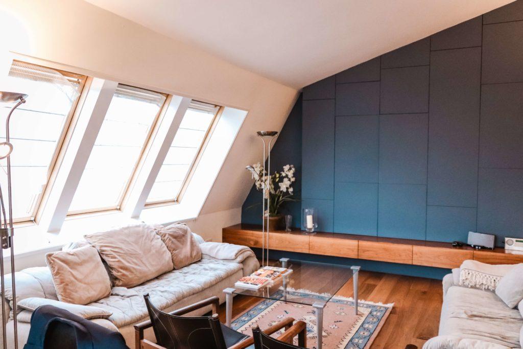 Salon z dwoma sofami