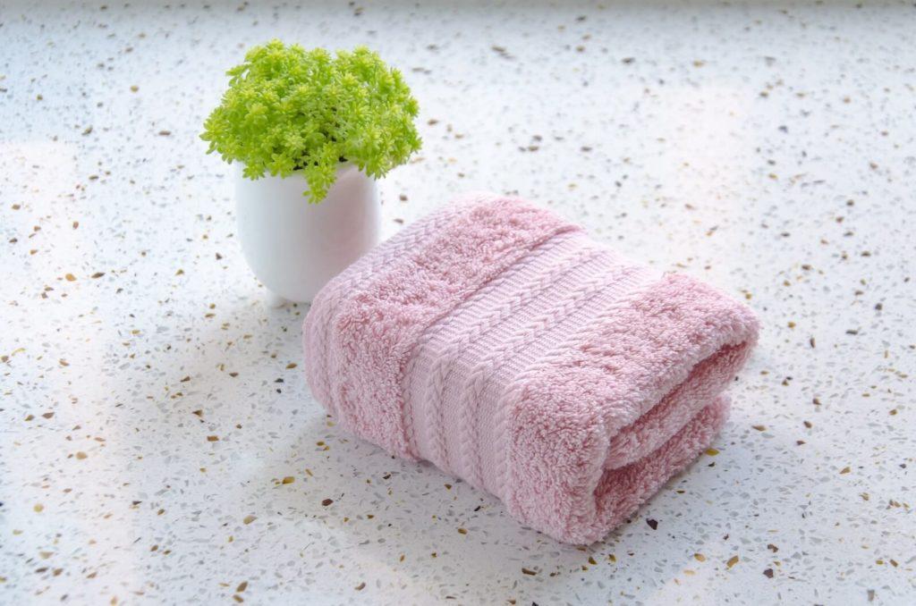 Różowy ręcznik dla dzieci