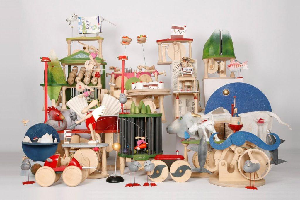 Drewniane zabawki handmade jako prezent na chrzest
