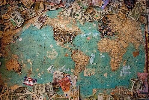 Mapa świata z walutami