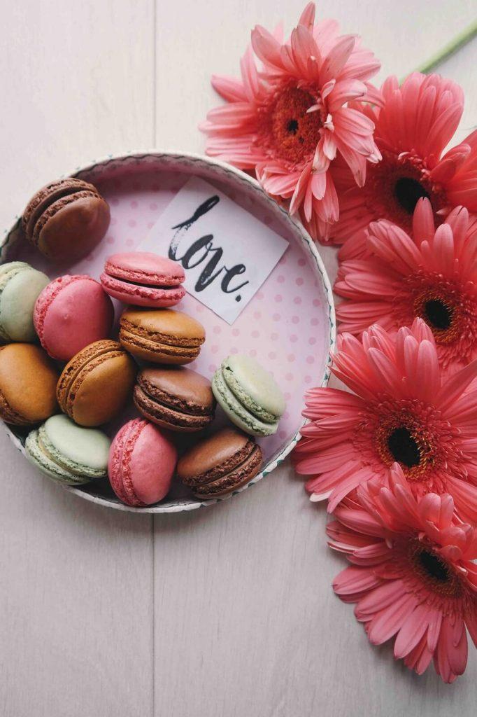 Kwiaty i słodycze na Walentynki 2020