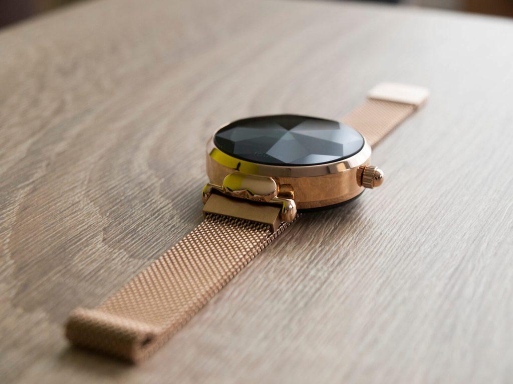 Damski smartwatch w kolorze złota Garett Lisa