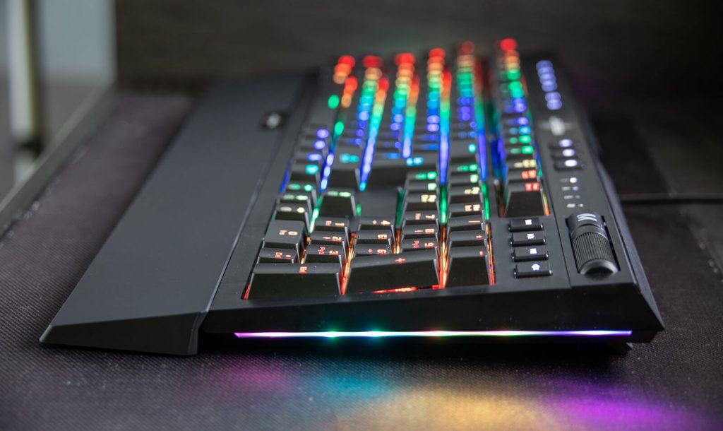 Stabilna klawiatura dla graczy Exodus 900