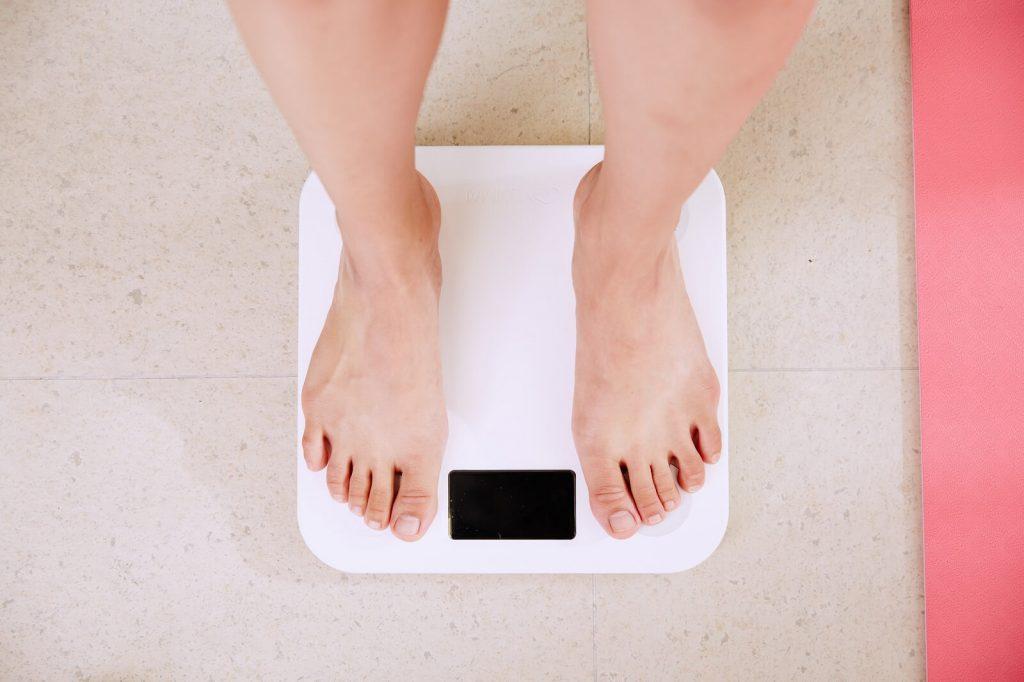 Waga łazienkowa z pomiarem tkanki tłuszczowej