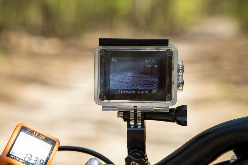 Ekran kamery sportowej Manta