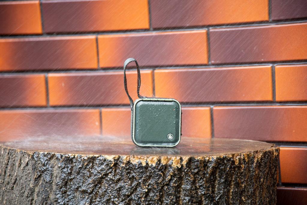 Testy wodoszczelne głośnika Bluetooth