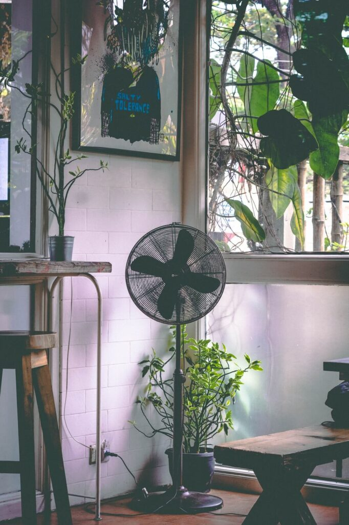 Wiatrak domowy czy klimatyzator